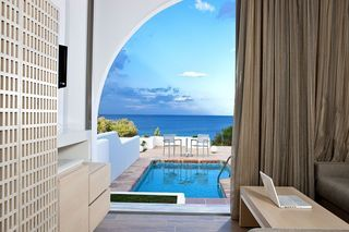 Junior_Suite_with_private_Pool