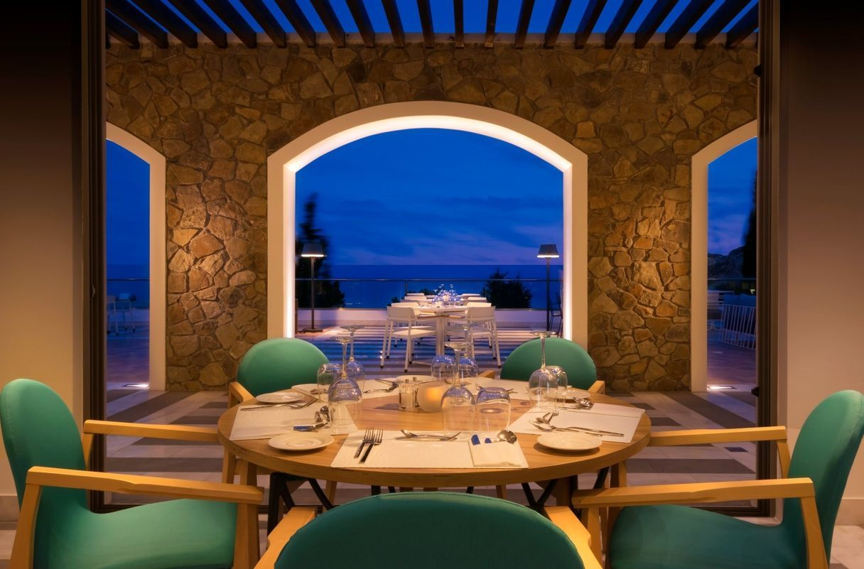 Aurora_a_la_carte_Restaurant_evening