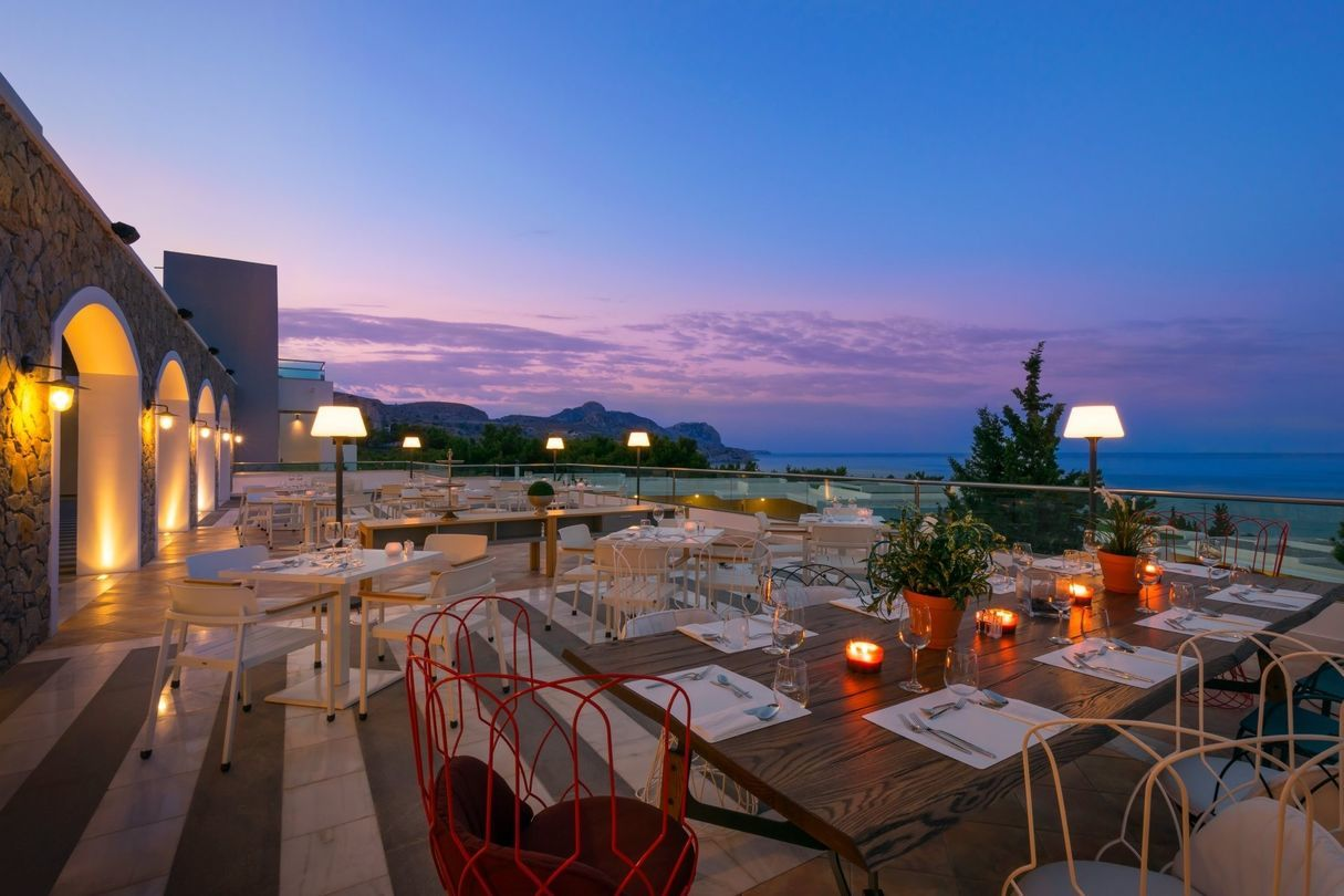 Aurora_a_la_carte_Restaurant_evening_view1