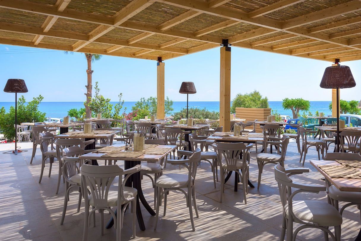 Thalassa_Main_Restaurant_Terrace-2