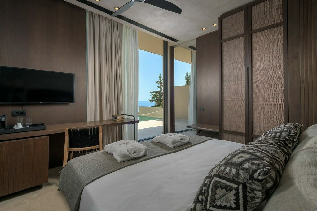 GEA-Adults-only-suite-private-pool-sea-view-bedroom_a