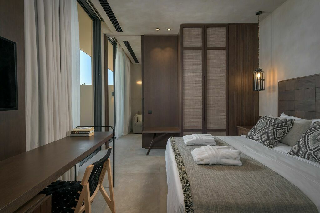 GEA-Adults-only-suite-private-pool-sea-view-bedroom_c